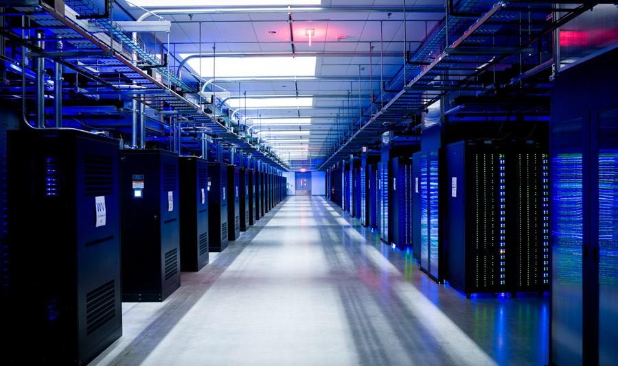 أماكن تخزين وحفظ البيانات على شبكة الإنترنت