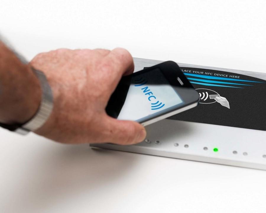 تقنية الإتصال قريب المدى NFC
